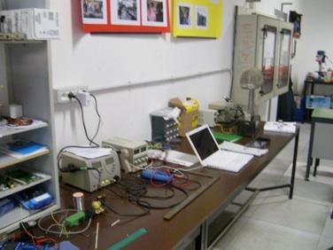 Banchi Da Lavoro Per Laboratorio Analisi : Al campus e all itis u giovani per la scienza